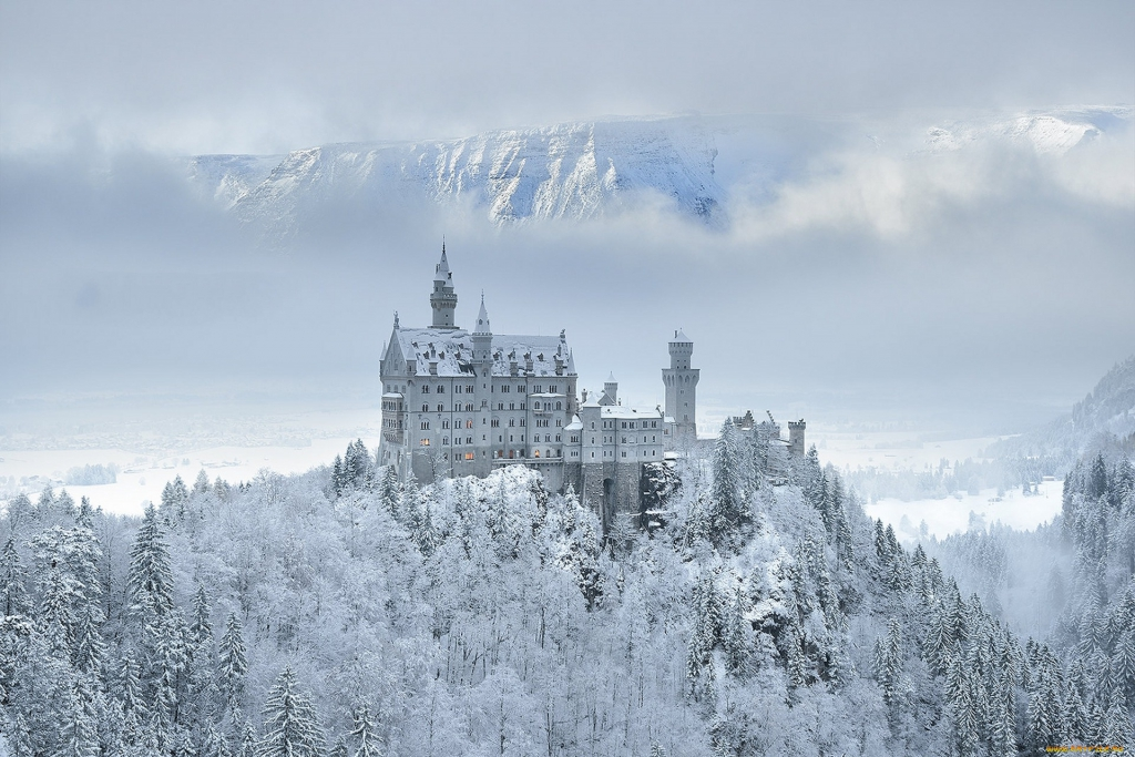 neuschwanstein-castle-winter-germany-3184792066.jpg