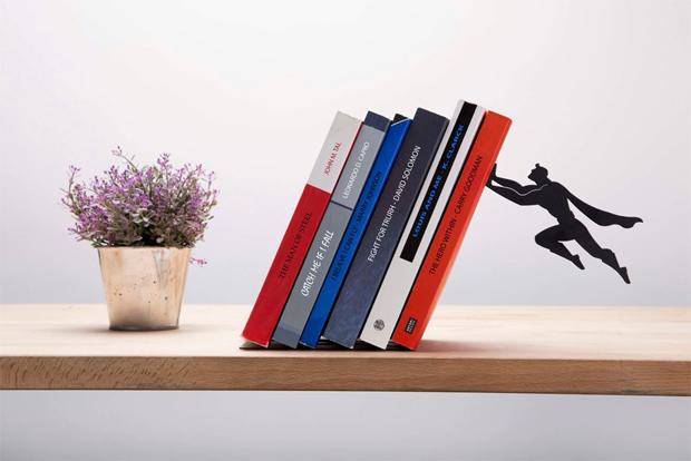könyvespolc, könyvtartó, könyvtámasz, szuperhős, Superheroe, Artori Design